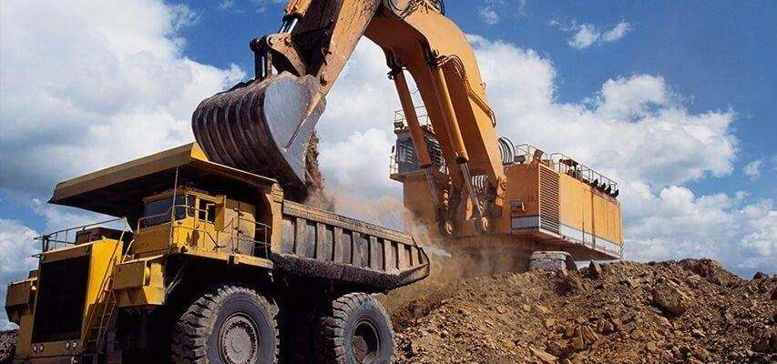 Automatic lubrication for large articulated dump trucks and excavators