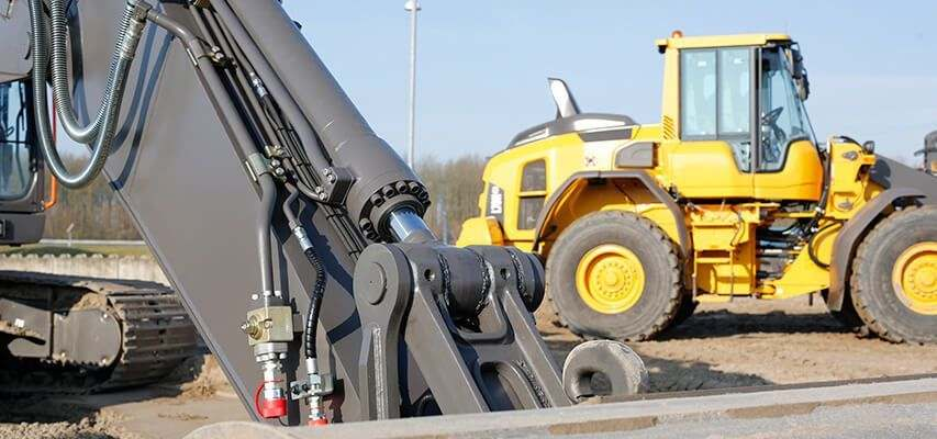 Automatic greasing for wheel loader and excavator